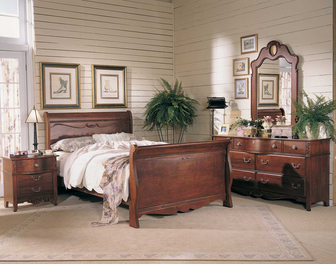 Antique Treasures Sleigh Bedroom Collection Lea Furniture Lea