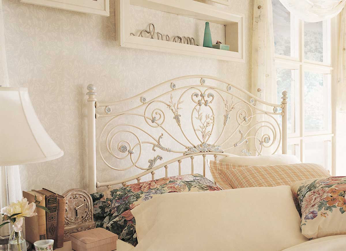 Lea Jessica McClintock Romance Metal Bed  Furniture