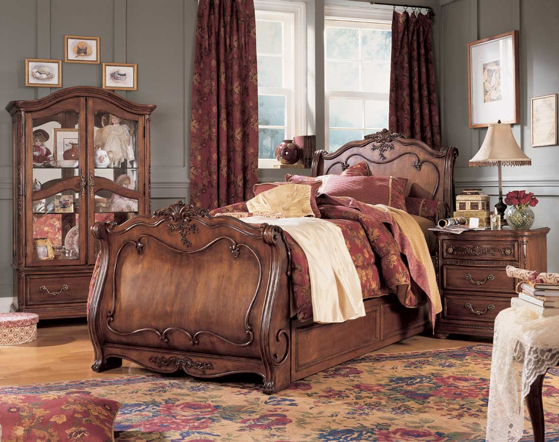 Lea Jessica McClintock Heirloom Sleigh Bed  Furniture