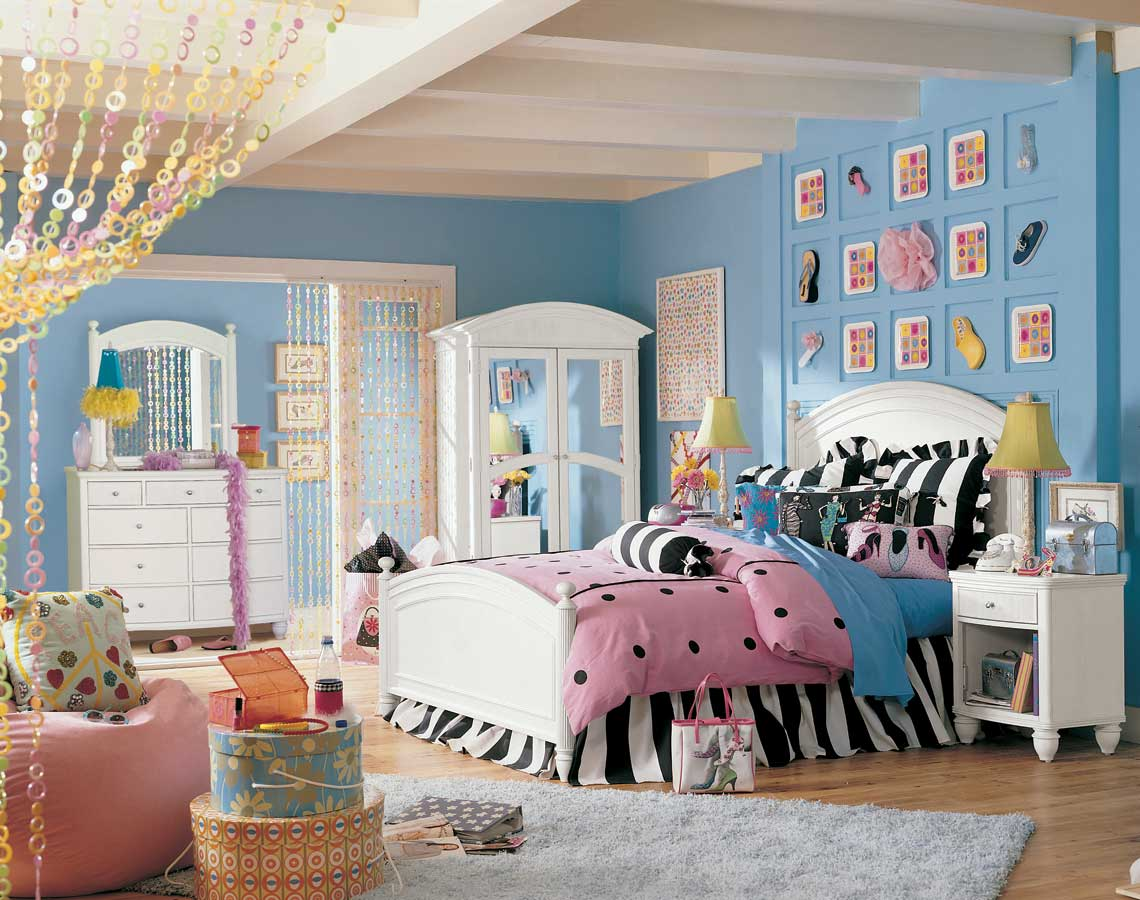 Lea Elation Panel Bedroom Collection