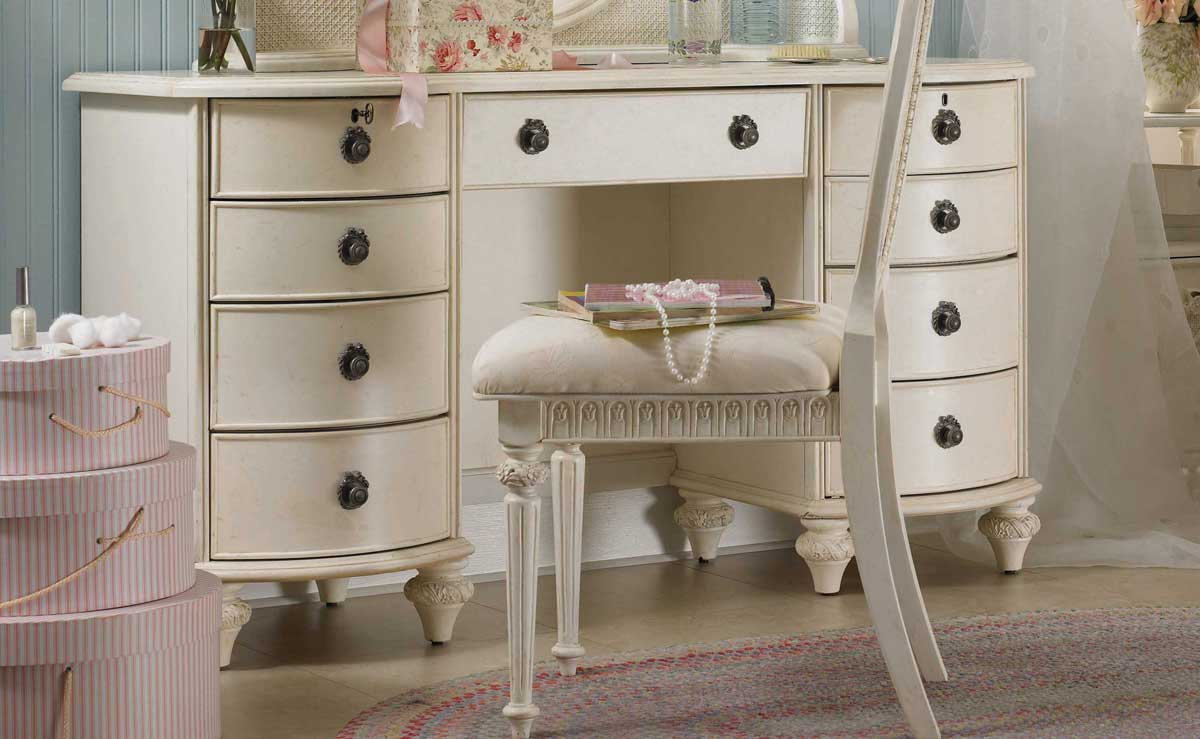 and comfortable easily describes Emmas Treausres from Lea Furniture ...