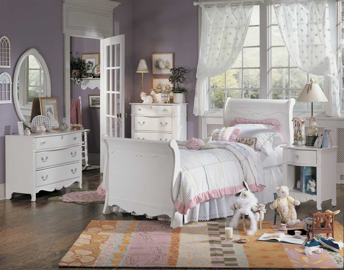 Lea victoria sleigh bedroom collection furniture 930 9x6r for Chambre pour jeune adulte