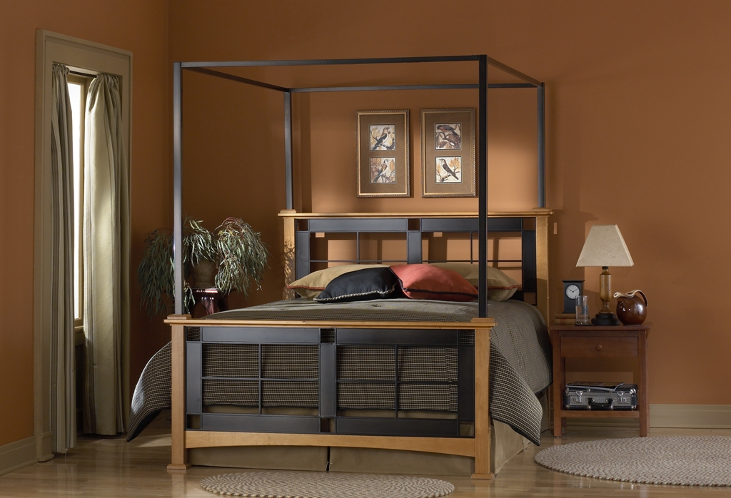 Fashion Bed Group Mackintosh Canopy Bed