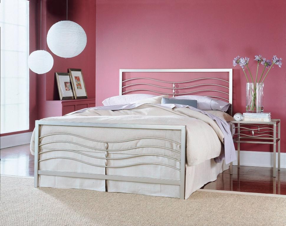 Fashion Bed Group Malibu Bed