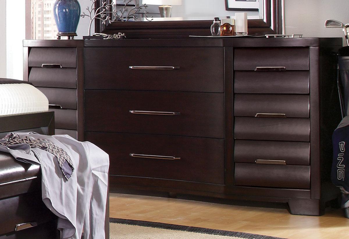 Pulaski Sable Dresser
