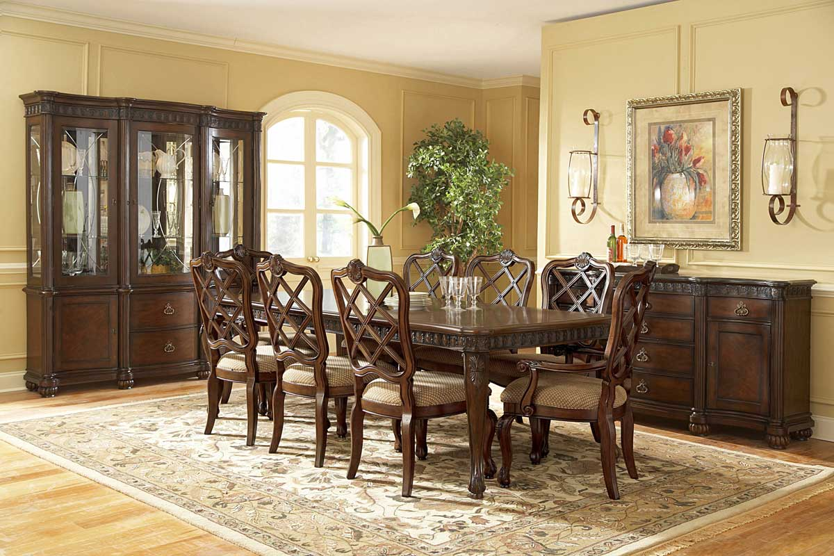 Pulaski Northridge Dining Collection