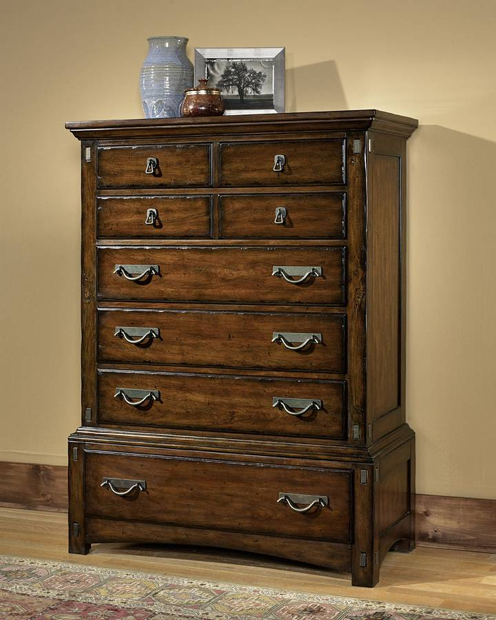 Pulaski Pasadena Valley Chest