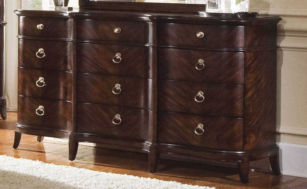 Pulaski Alura Dresser