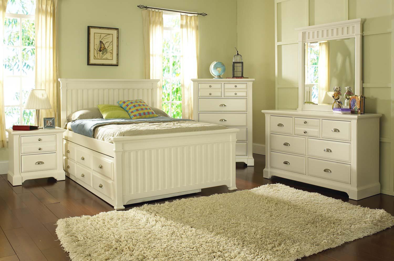 Pulaski Winter Park Bedroom Set