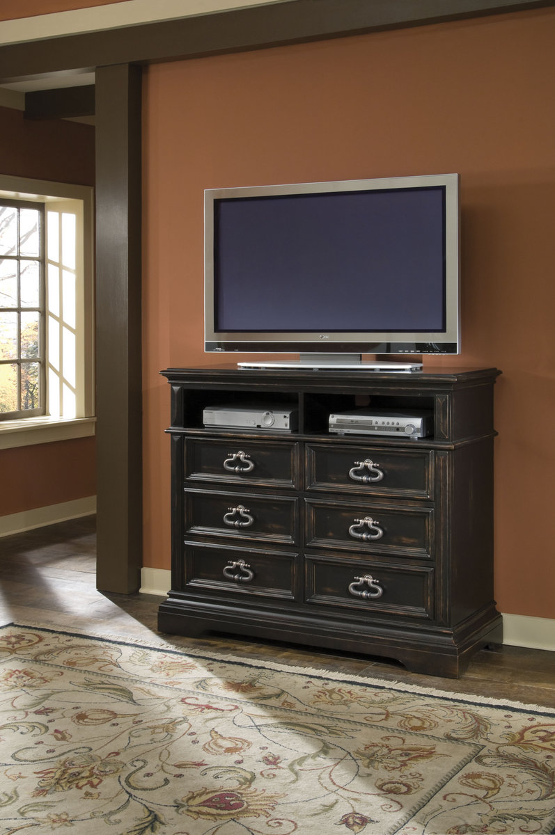 Pulaski Brookfield Media Chest