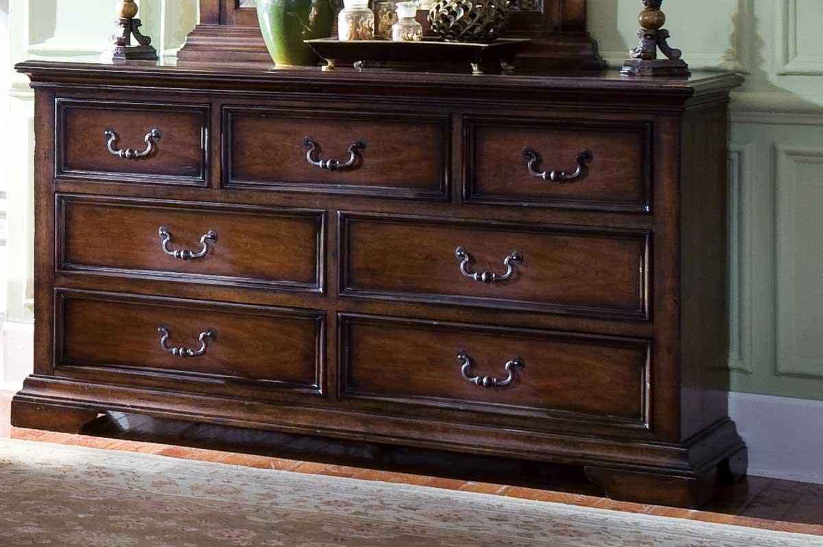 Pulaski Dovershire Dresser