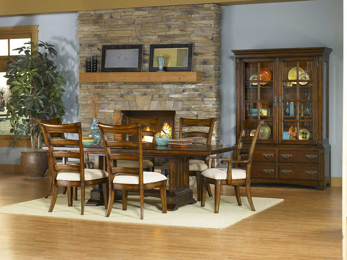 Pulaski Pasadena Valley Dining Collection