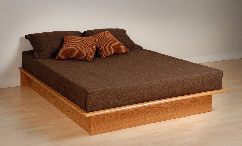 Кровать из матрасов своими руками фото