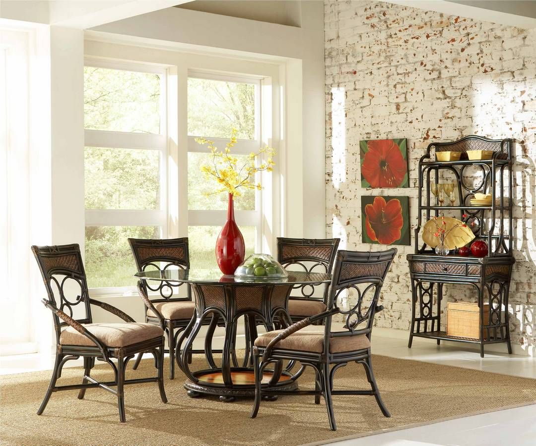 Powell Turtle Bay Round Base Pedestal Dining Set