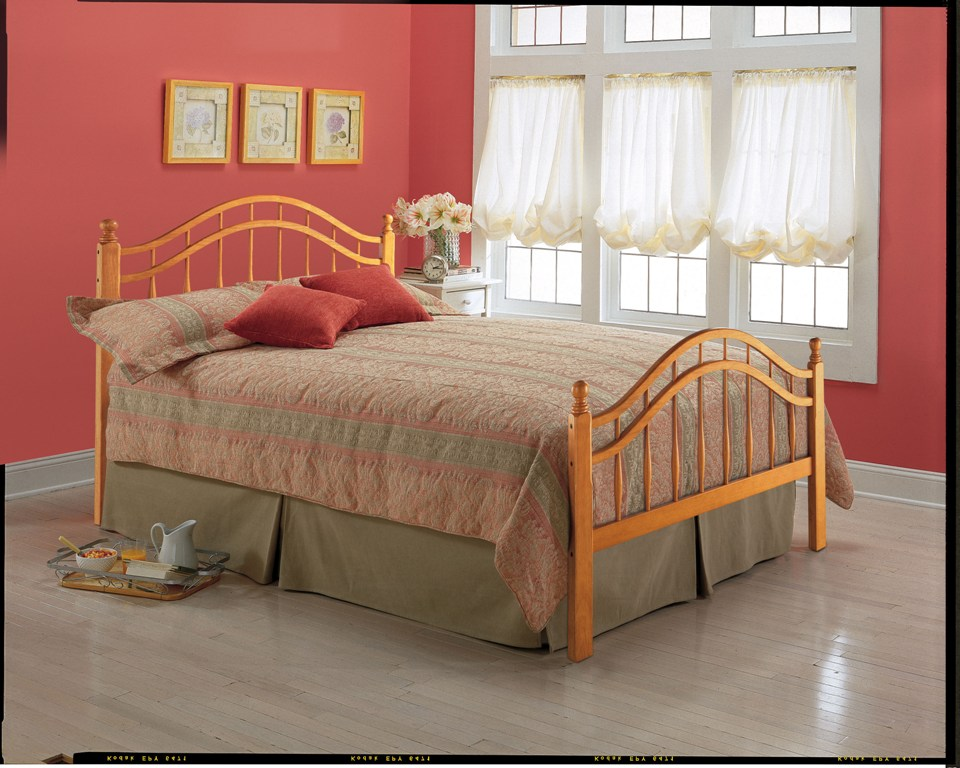 Fashion Bed Group Springhill Bed in Honey Maple