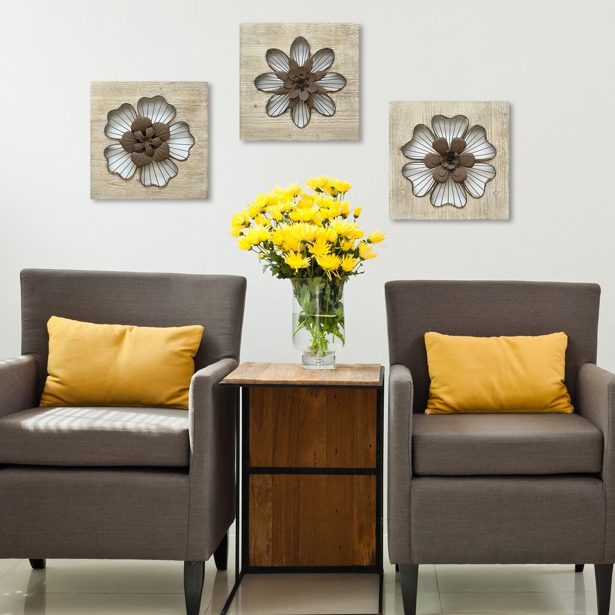 Stratton Home Decor Rustic Flower Wall Decor - Natural Wood/Espresso