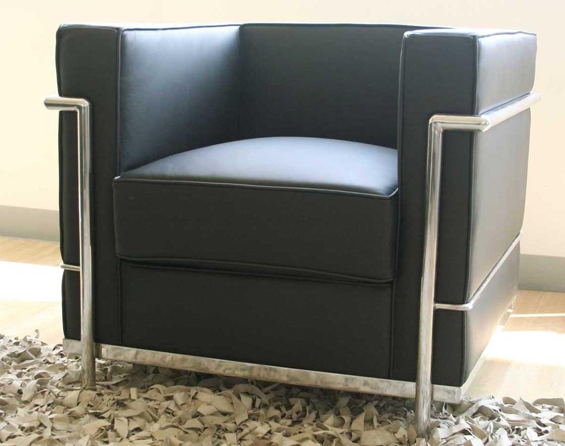 le noir chaise de style le corbusier design interieur france. Black Bedroom Furniture Sets. Home Design Ideas
