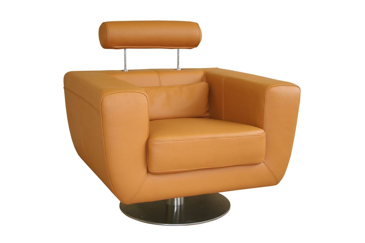 Wholesale Interiors 92-P8006 Full Leather Club Chair