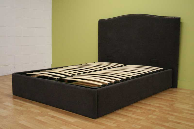 Wholesale Interiors Cho Queen Contemporary Bed