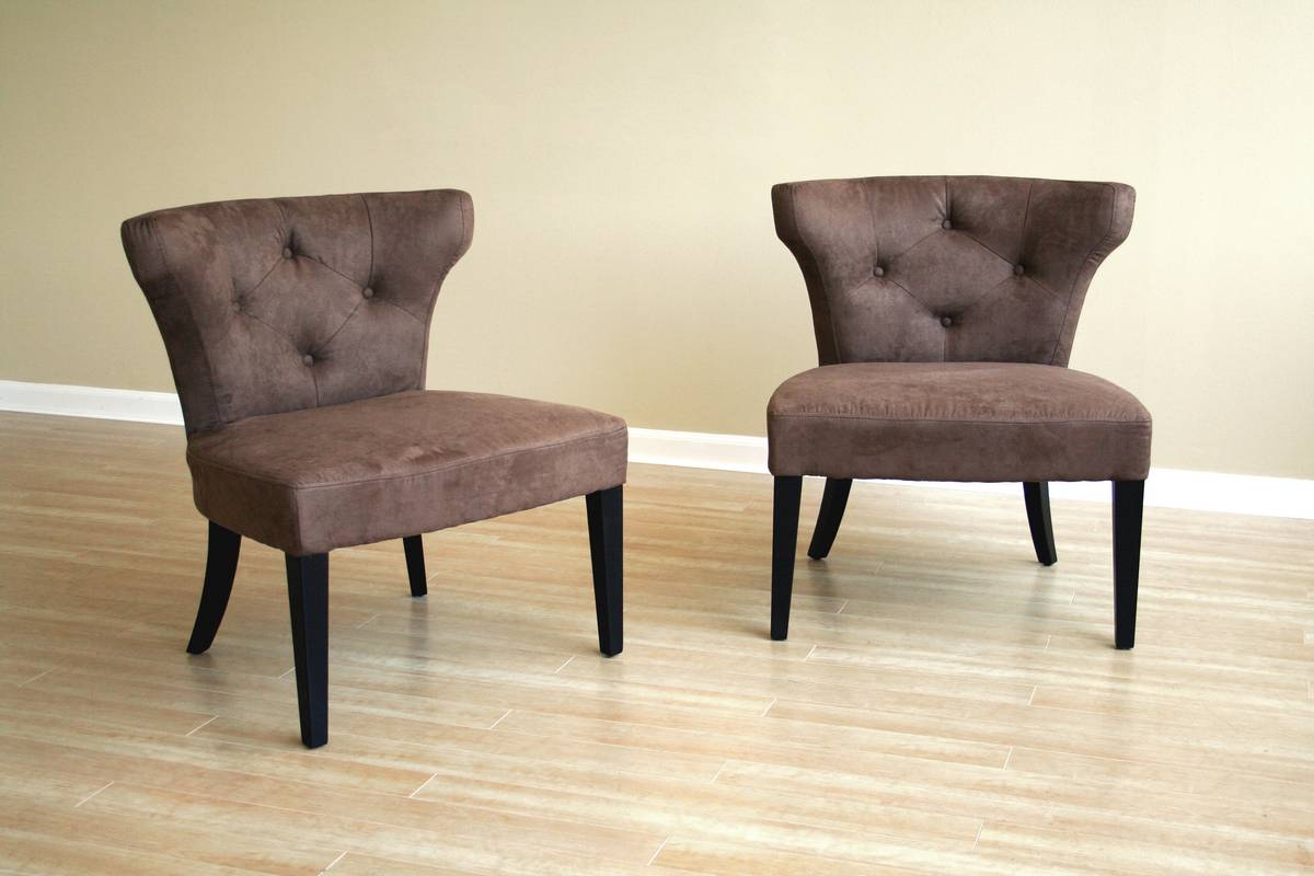Photo of Wholesale Interiors Y-378-CV-04 Club Chair (Accent Furniture, Accent Chairs)
