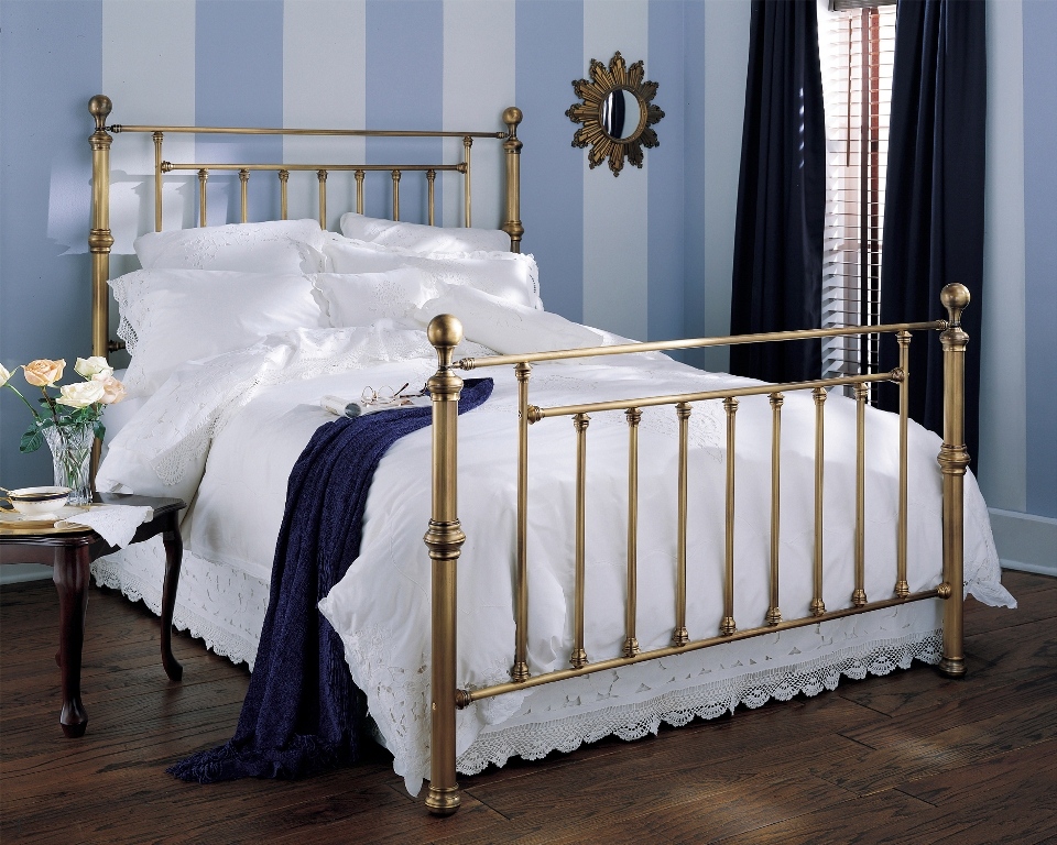 Fashion Bed Group Waldorf Bed