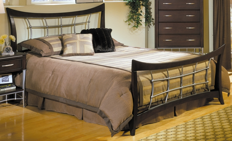 Moda Bed with Wood Rails