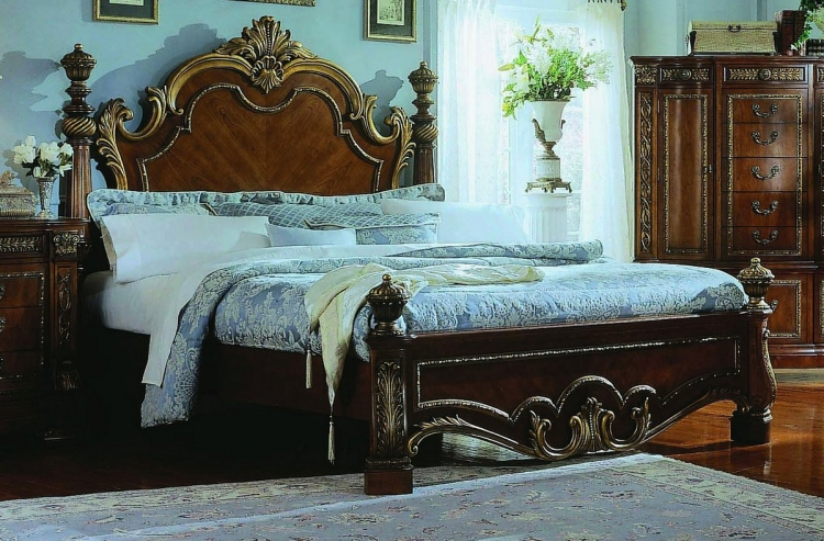 Royale Poster Bed