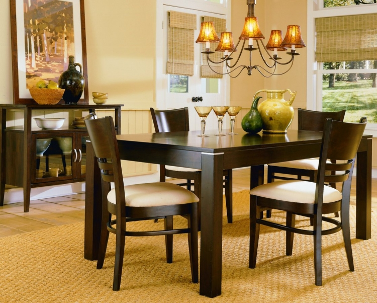 Levita Dining Collection