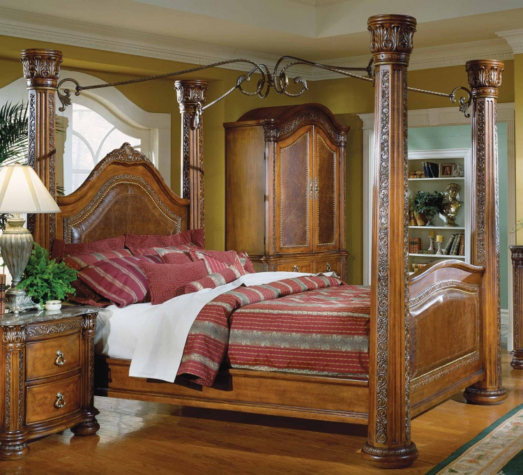 Spanish Hills Canopy Bed with Leather