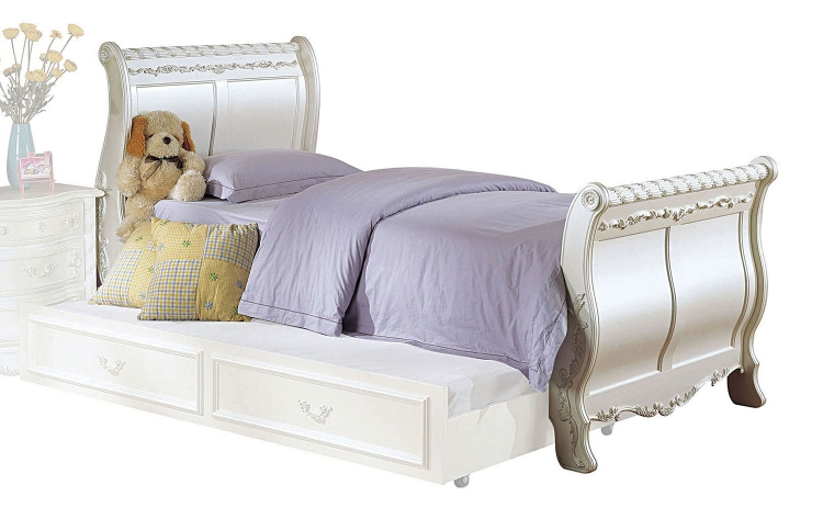Pearl Bed (Sleigh) - Pearl White/Gold Brush Accent