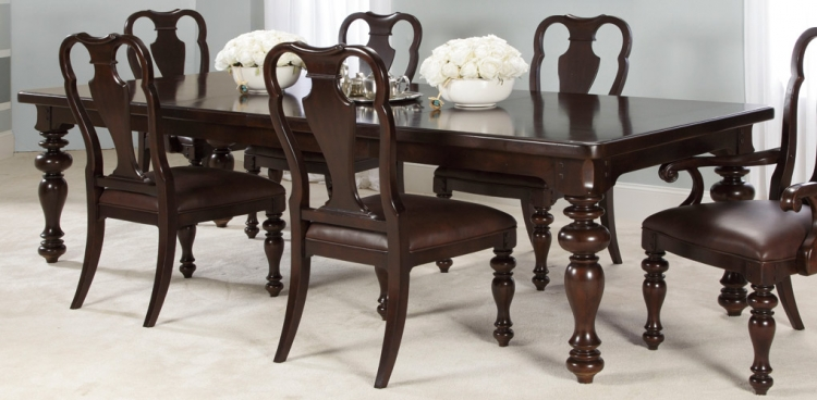 Carriage Place Leg Dining Table