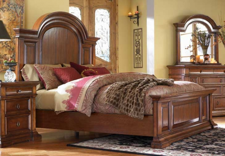 European Traditions Mansion Bed