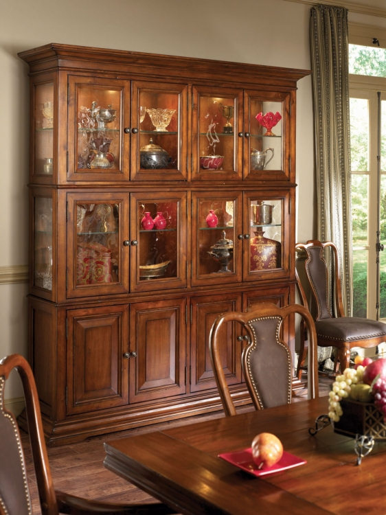 European Traditions China Cabinet