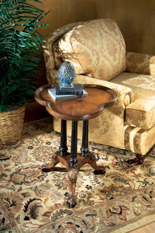 0357090 Connoisseur's Clover Leaf Pedestal Table