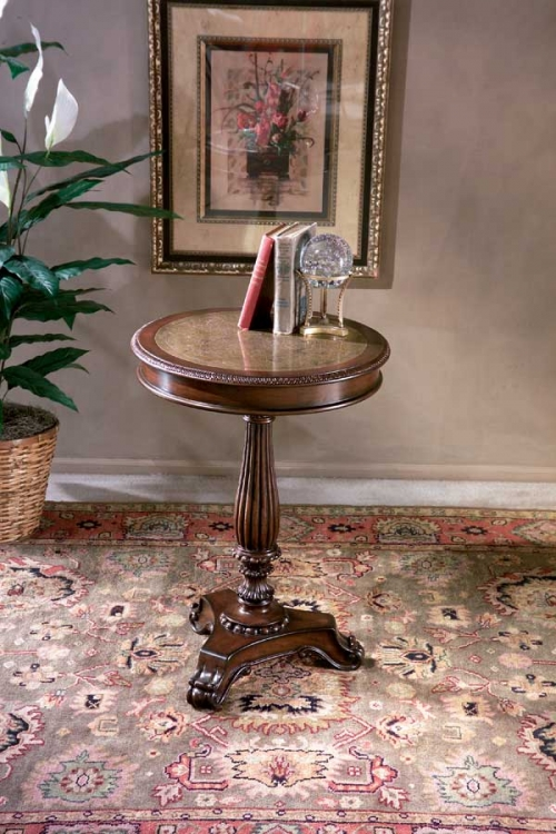0503070 Heritage Round Pedestal Table