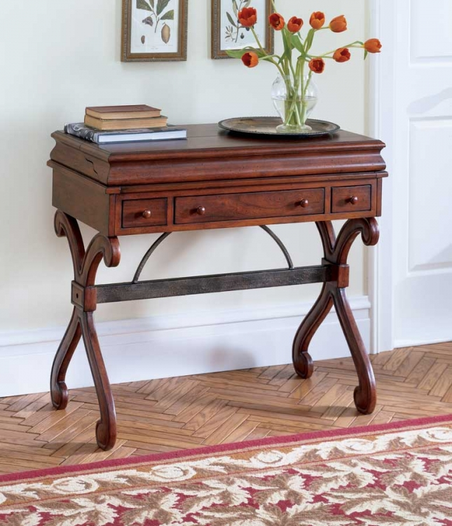 0615024 Plantation Cherry Desk - Butler
