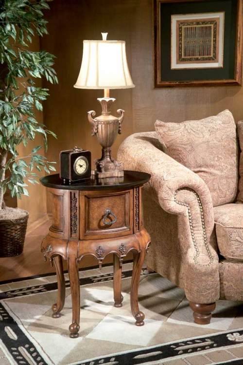 1350090 Connoisseur's Accent Table - Butler