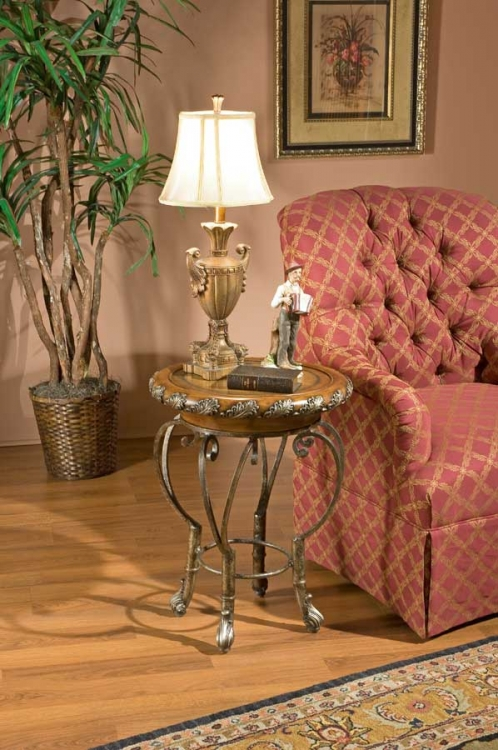 1521070 Heritage Accent Table - Butler