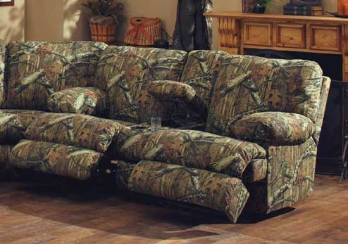 Wintergreen Reclining Console Loveseat with Storage and Cupholders - Mossy Oak Infinity