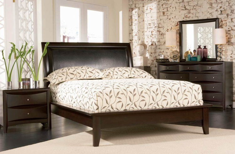 Phoenix Platform Bedroom Set - Coaster