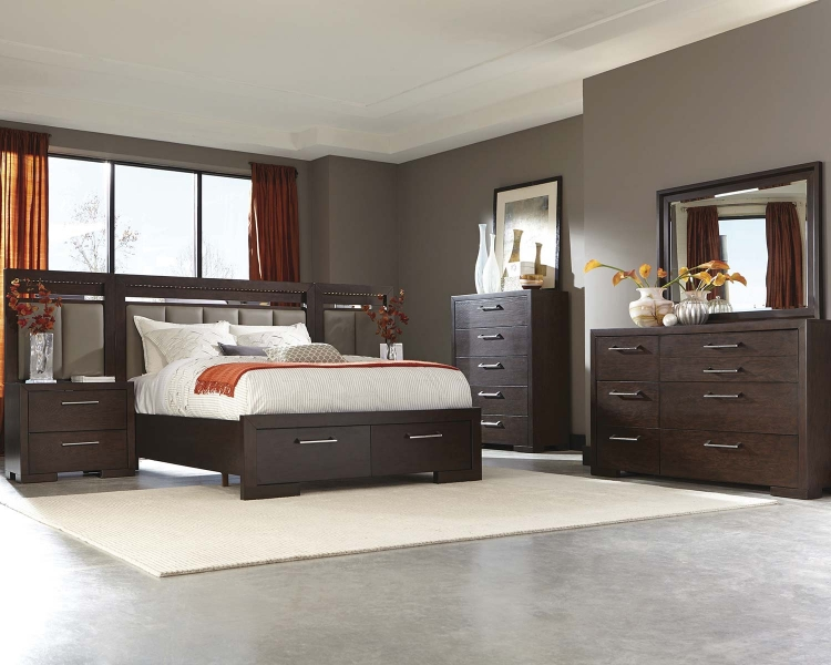 Berkshire Lighted Platform Storage Bedroom Set - Bitter Chocolate