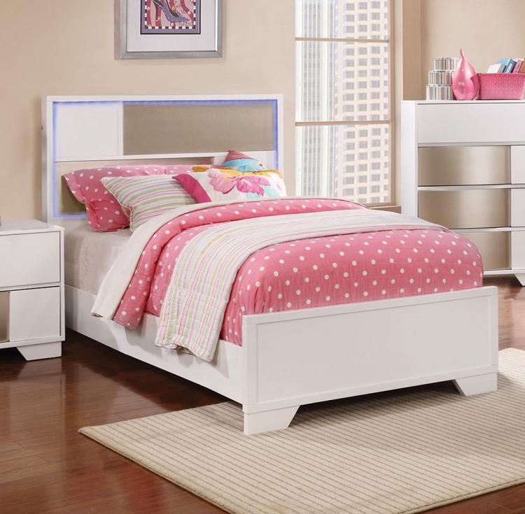 Havering Bed - Blanco/Sterling