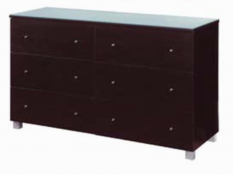Camilla Dresser
