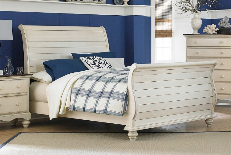 Pine Island Sleigh Bed - Old White