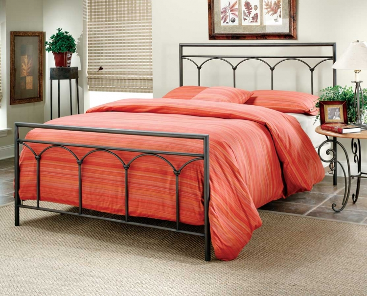 Mckenzie Panel Bed - Hillsdale