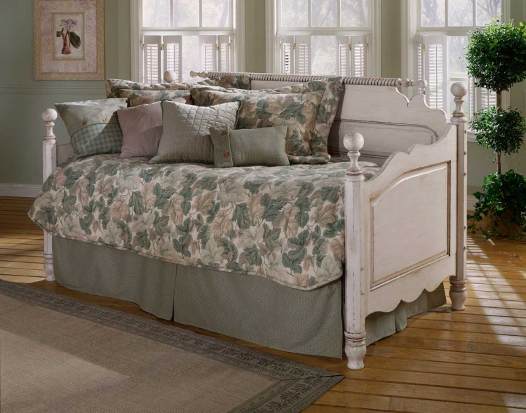 Wilshire Daybed - Antique White - Hillsdale