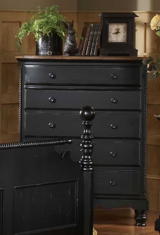 Wilshire Chest - Antique White - Hillsdale