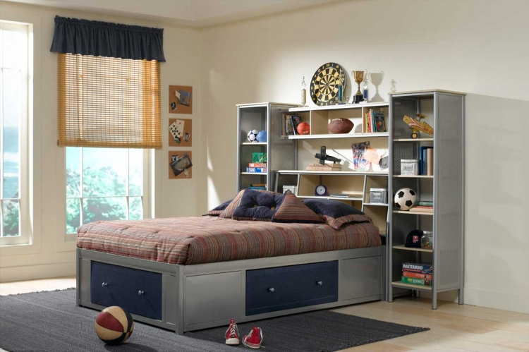 Universal Youth Platform with Wall Storage Bed