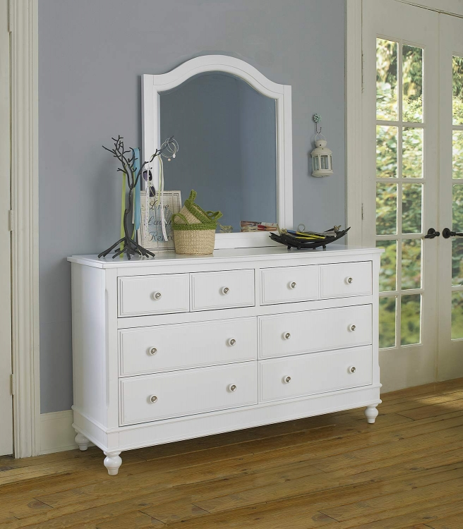Lake House 8 Drawer Dresser with Mirror - White