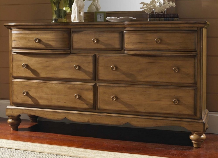 Hamptons Dresser - Weathered Pine